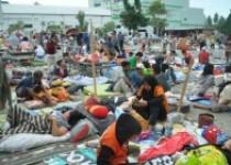 Akibat Gempa Ribuan Warga Berupaya…