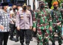 Panglima TNI Bersama Kapolri Pantau…