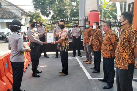 Tugas Kepolisian Di Lakukan Dengan Baik  Anggota Polisi Polresta Yogyakarta Raih Reward