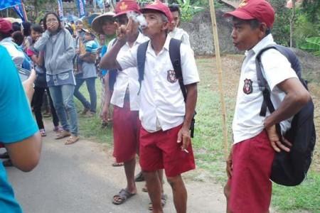 Bansos Dunia  Pendidikan Di Gunungkidul  Rawan Kong Kalikong !