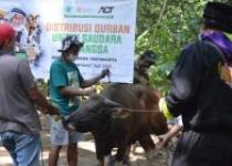 Warga Lereng Merapi Terima Hewan Qurban Act di Tengah Siaga Merapi dan Pandemi