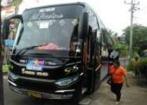 Bus Angkut wisatawan lewati tanjakan…