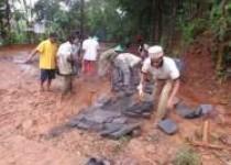 Bergelut dengan lumpur pekat Pokdarwis…