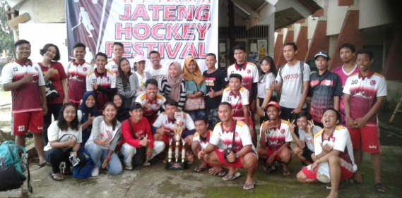<a href='http://www.pastvnews.com/olah-raga-dan-bola/tim-hockey-putri-kudus-rebut-juara-satu-jateng-hockey-festival.html'>Tim Hockey Putri Kudus Rebut Juara Satu Jateng Hockey Festival</a>