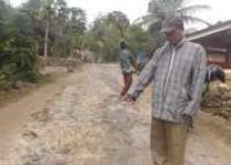 Kawasan Goa Cerme Jalannya Rusak…