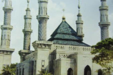 Masjid Suciwati Saliman,Perpaduan Kultur Timur Tengah dan  Jawa