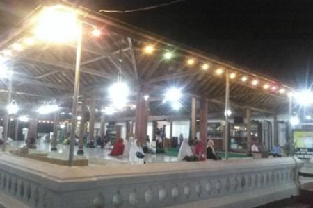 Sholat Tarawih Malam Pertama Ramadhan Tahun 1439 H/2018 di Masjid Mataram Kotagede