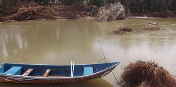 <a href='http://www.pastvnews.com/berita-daerah/pengurus-destinasi-jelok-patuk-tetap-semangat-meski-jembatan-gantungnya-abruk-perahu-jadi-ganti-jembatan-gantung.html'>Pengurus destinasi Jelok Patuk &#039;tetap semangat meski jembatan gantungnya ambruk&#039; Perahu jadi ganti jembatan gantung&#039; </a>