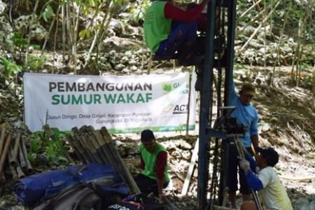 Sumur Wakaf: Ikhtiar Memutus Krisis Air Bersih di Dusun Dringo-Gunungkidul