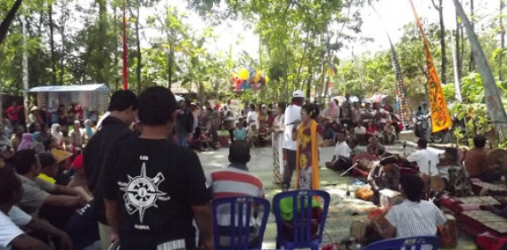 <a href='http://www.pastvnews.com/seni-dan-budaya/tradisi-nanggap-tayub-dusun-bendo-ngawen-unik.html'>Tradisi Nanggap Tayub Dusun Bendo, Ngawen Unik</a>