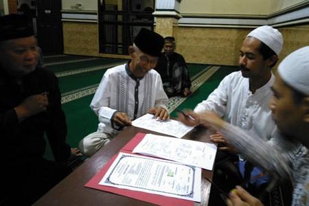 Islam  itu menyejukkan  'Martinus Supriyanto dapat gelar babtisan ' Kini Memeluk Agama Islam