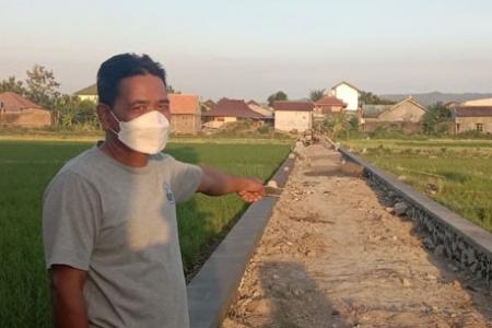 23 Petani Mertosanan Kulon Potorono Banguntapan Relakan Tanahnya Untuk Talut Jalan Dukung  Padat Karya  2021