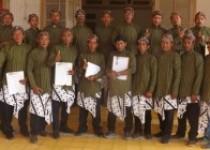 19 Orang Berpakaian Jawa Deklarasi…