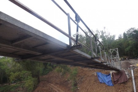 inilah jembatan gantung hutan wangama menghubungkan telaga kemuning