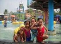 Nikmati Sensasi Air Bersama Keluarga…