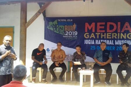 The Royal Jogja Sand Dunes Geospital Run 2019 di Parangtritis