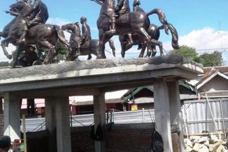 Patung Sultan Agung Titik Nol Imogiri Untuk Pengetahuan Sejarah