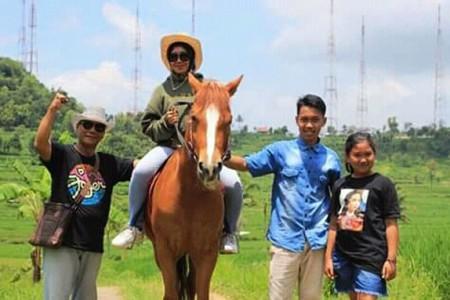 Destinasi Baru Desa Ngoro-oro Patuk Gunungkidul Kini di Kunjungi Wisatawan Berkuda  Menjadi Viral