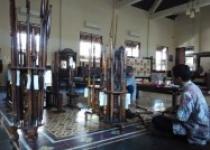 Mengguak Tradisi Jawa di Tembi…