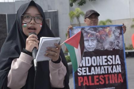 Aksi Long March For Palestina 50 % Warga Gaza Kesandung Kemiskinan 'Kita Harus Bagaimana ?