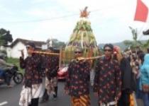 Kirab dan Pusat Budaya Desa Srimulyo…