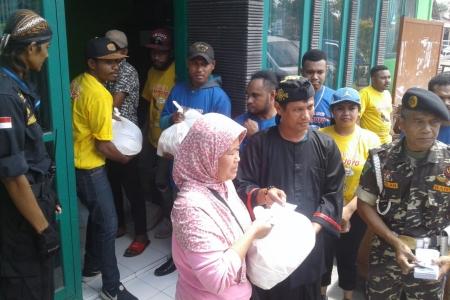 Mbah Joyo didukung FKOR dan Komunitas Masyatakat Madani Santuni Keluarga Miskin