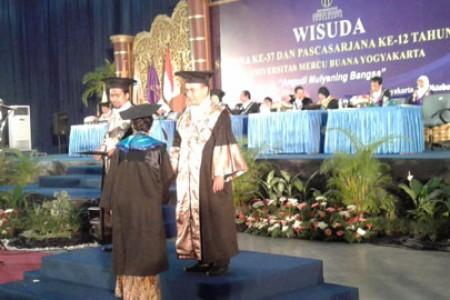 789 Mahasiswa Universitas Mercu Buana Siap Mengantar Kejenjang Kesuksesan